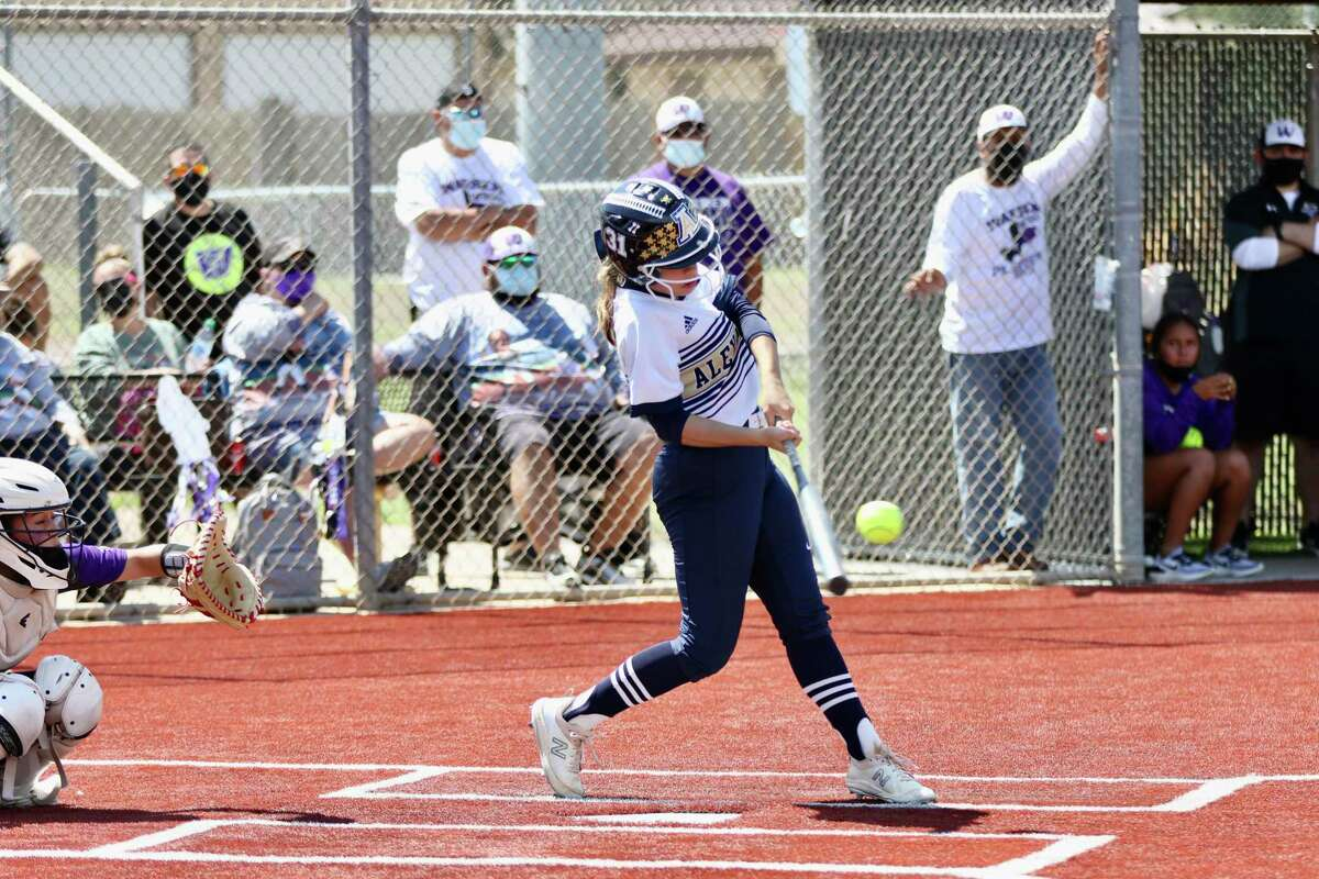 Alexander's season came to an end on Saturday as it fell to San Antonio Warren in five innings.