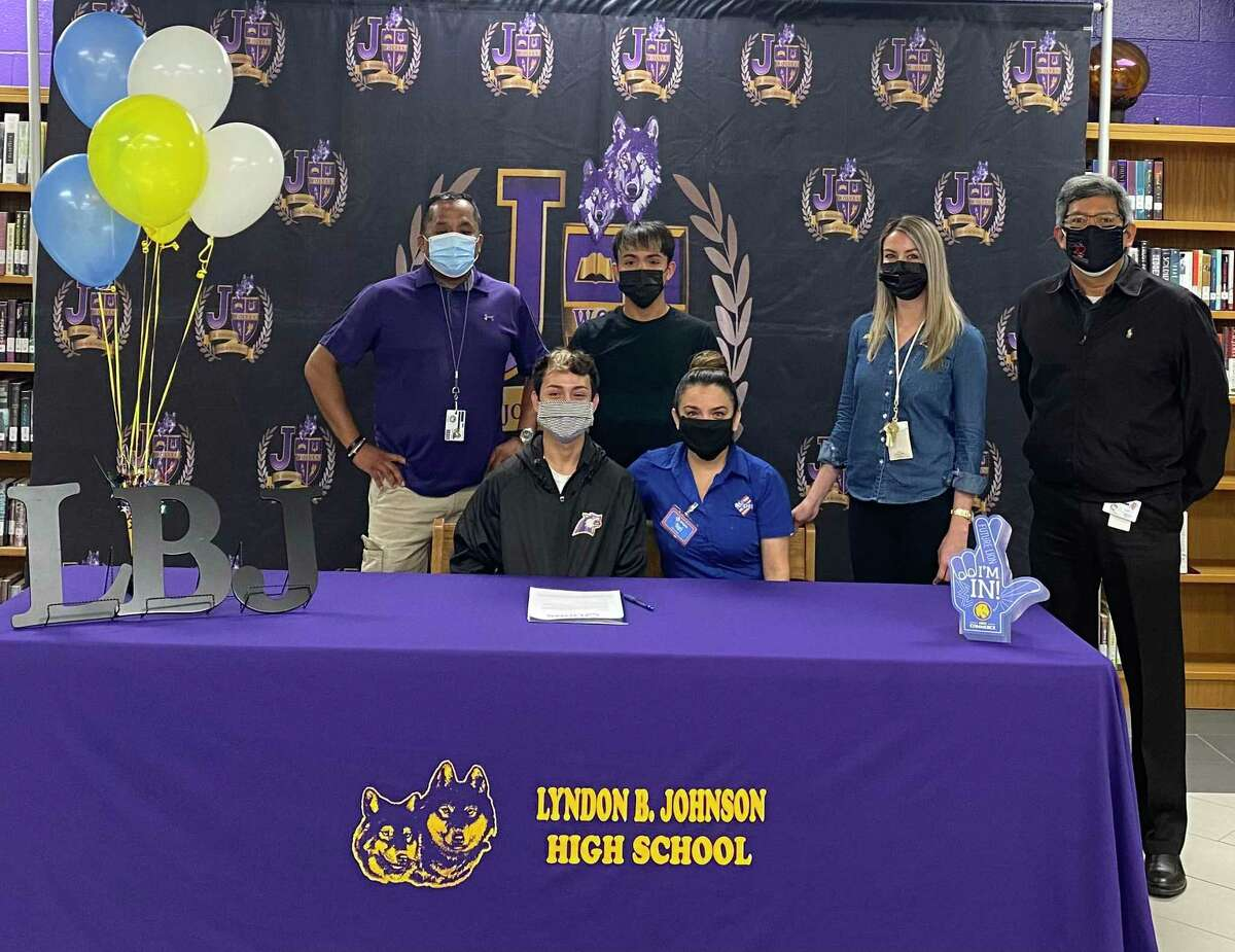 LBJ's Chris Navarrete signed with Texas A&M-Commerce University to continue his running career.
