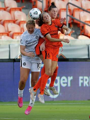HOUSTON, TX - MAY 2: Houston Dash midfielder Shea Groom (6) goes up for header against Portland Thorns FC midfielder Lindsey Horan (10) in the first half during a women's soccer game at BBVA Stadium May 2, 2021 in Houston, Texas. (Photo by Bob Levey/Contributor) Photo: Bob Levey, Houston Chronicle / 2021 Bob Levey