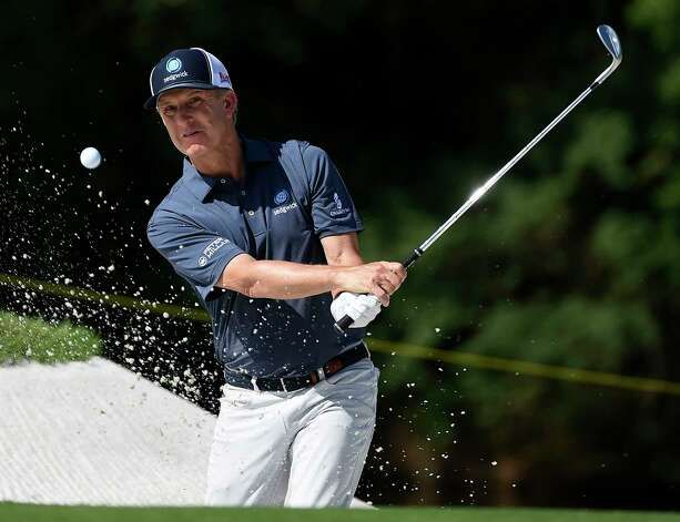 David Toms blasts out of a green side bunker on No. 9 during the final round of the Insperity Invitational golf tournament, Sunday, May 2, 2021, in The Woodlands, TX. Photo: Eric Christian Smith, Contributor