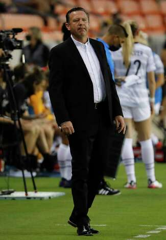 HOUSTON, TX - MAY 2: Dash head coach James Clarkson looks on from then bench area against the Portland Thorns FC during a women's soccer game at BBVA Stadium May 2, 2021 in Houston, Texas. The Dash played Portland Thorns FC to a 1-1 draw. Photo: Bob Levey, Houston Chronicle / 2021 Bob Levey