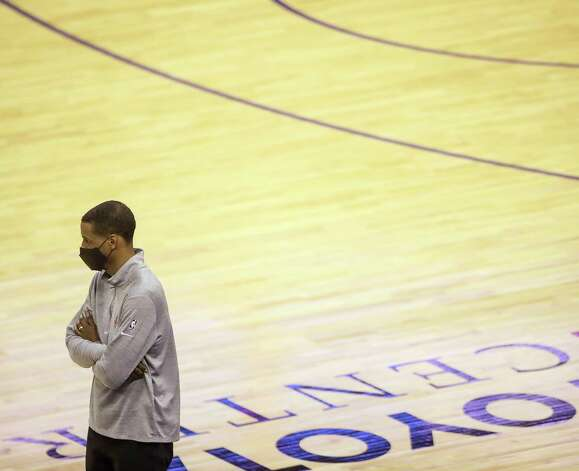 Houston Rockets head coach Stephen Silas watches during the fourth quarter of an NBA game Sunday, May 2, 2021, at the Toyota Center in Houston. Photo: Jon Shapley, Staff Photographer / © 2021 Houston Chronicle