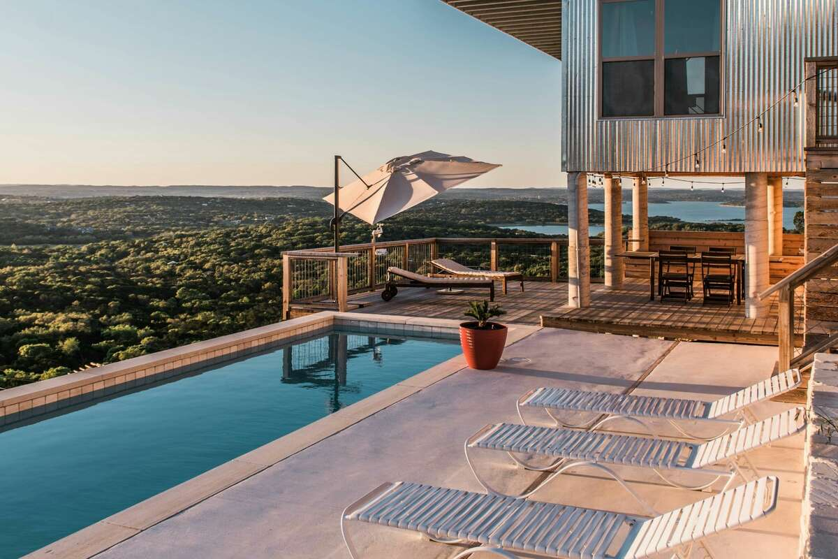 Actress Mindy Kaling listed Sky Villa in Canyon Lake on her Mother's Day retreat wishlists.
