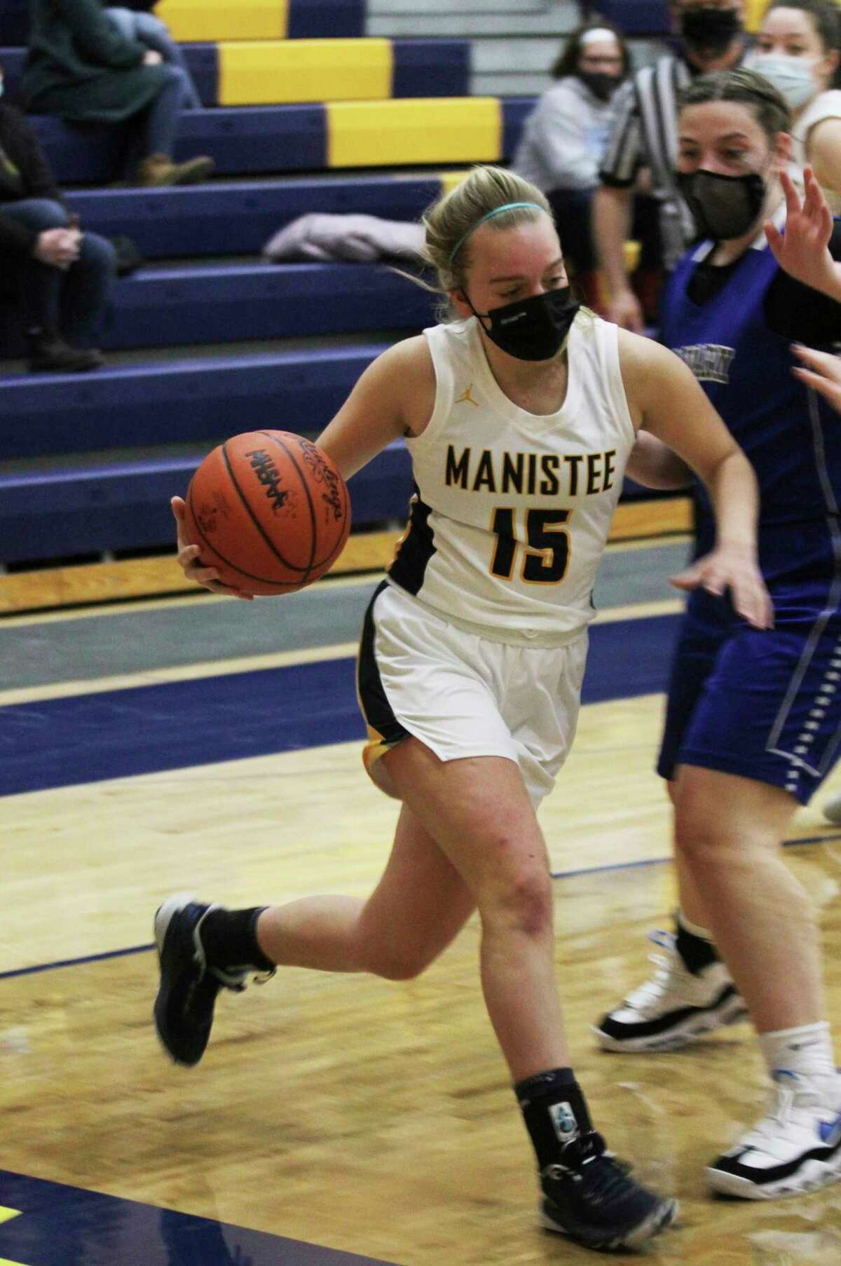 Manistee's Olivia Smithreceived the Outstanding Senior Student Athlete Award by the Basketball Coaches Association of Michigan. (News Advocate file photo)