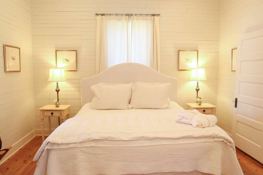 The Weber House Bedroom at Hoffman Haus in Fredericksburg, Texas. Photo: Claire McCormack Photography / Claire McCormack Photography 2011