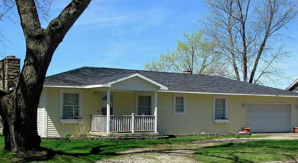 This home on Lake Missaukee was donated to the Wexford Osceola Habitat for Humanity. The home will be moved to a new site and sold. The proceeds will go to a new home build or home repair expenses for a family in Wexford or Osceola county. (Photo courtesy of WOHFH)