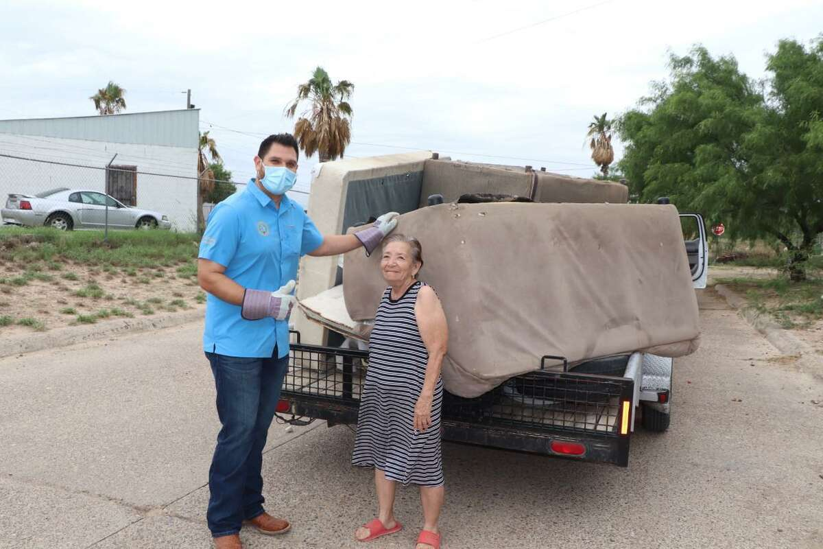 Webb County Precinct 1 Commissioner Jesse Gonzalez and county crews picked up bulky items and trash during the El Cenizo's Annual Clean Up.