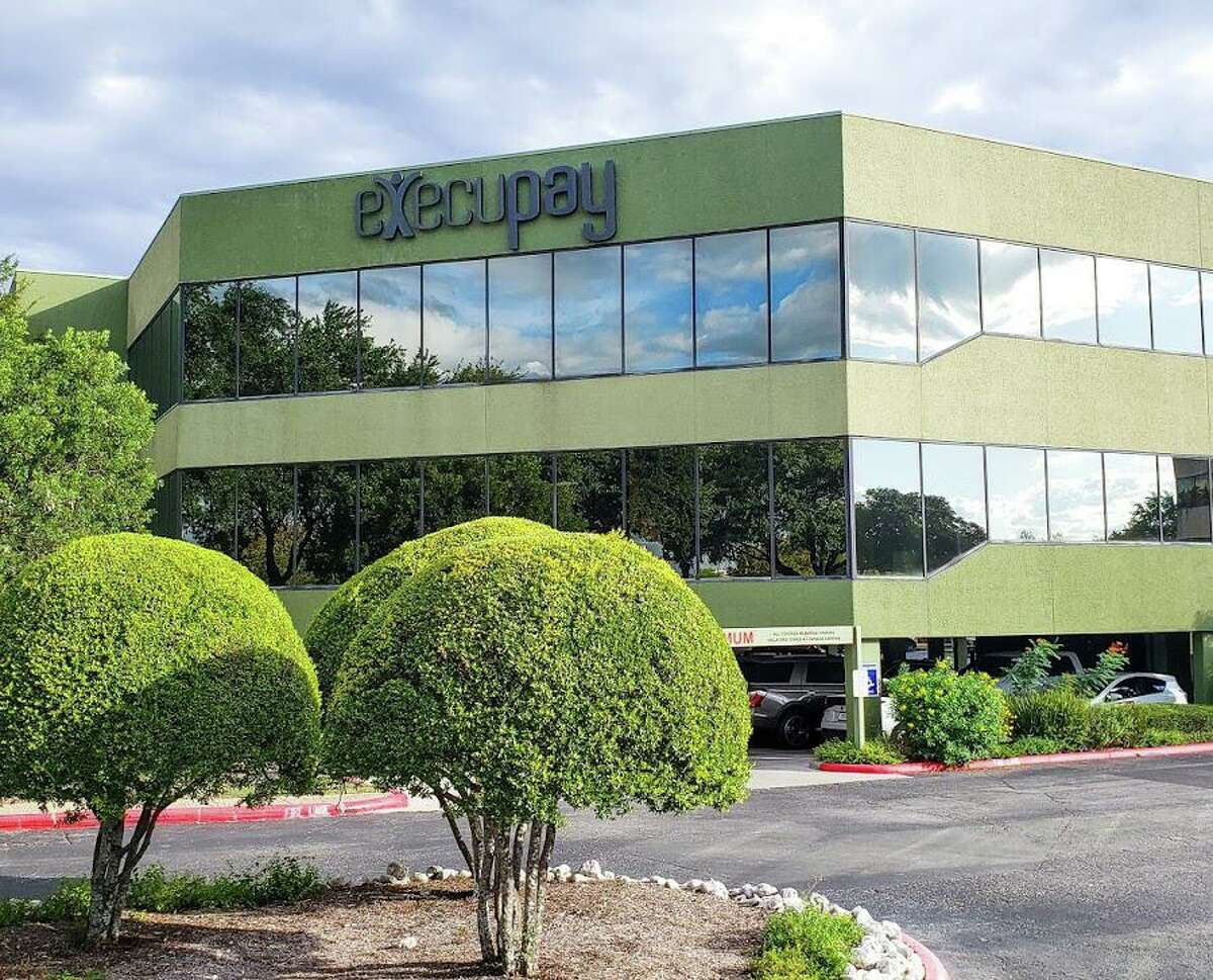 Execupay, an 80-person firm headquartered at 10500 Heritage Blvd., said it's bought Olathe, Kansas-based Paydayz Payroll in its second such acquisition this year.
