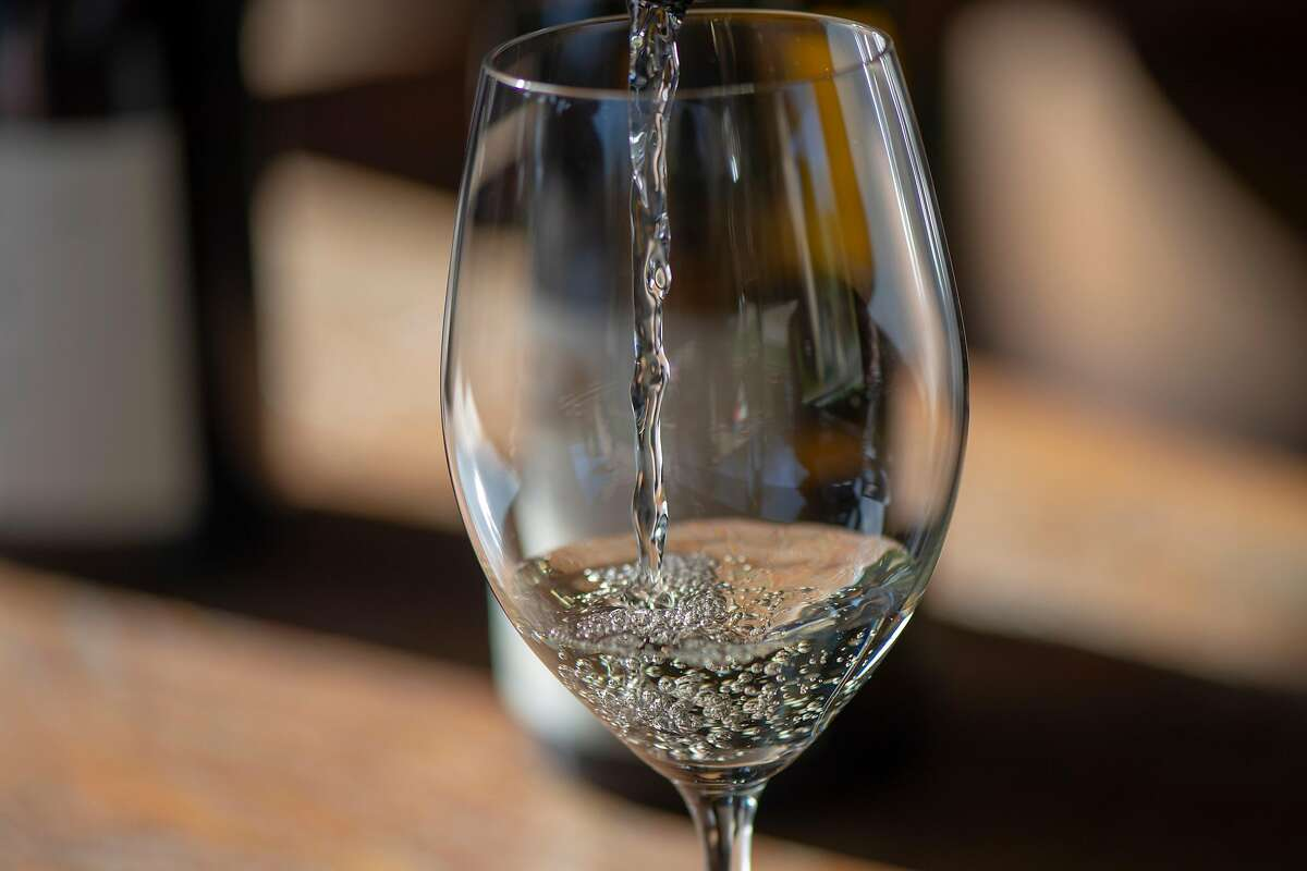 """Does this white wine express """"a classic and modern concept""""?"""