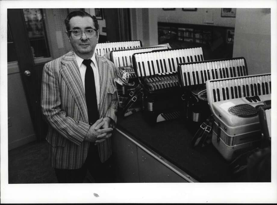 Martin Ainspan at his Accordion Center of Albany, the only full-service accordion store in the Capital Region, on Sept. 27, 1990 (Skip Dickstein/Times Union Archive) Photo: Skip Dickstein Times Union Historic Images / http://hipe.historicimages.com/images/tua/tua55434b.jpg