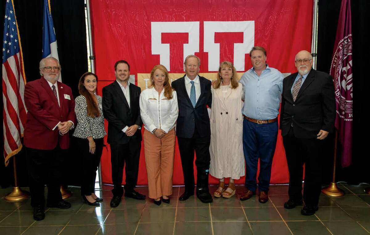 On hand to celebrate the new TAMIU Endowed Professorship in petroleum engineering are Dr. Tom Mitchell, provost and vice president for Academic Affairs; Dr. Claudia San Miguel, Dean of College of Arts and Sciences; David W. Killam Jr.; Tracy K. DiLeo; David W. Killam; Kati Killam; Cliffe Killam; and Dr. Pablo Arenaz, TAMIU President.