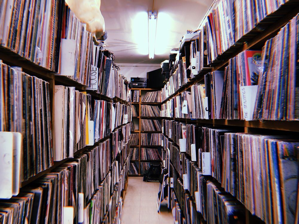 Bay Area music store housing a million records burns