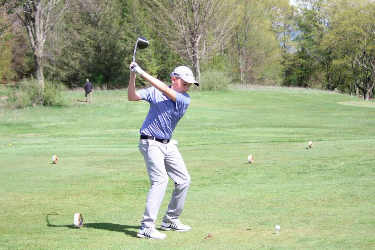 Elliott Hammon tees off on the second hole on May 6. (Robert Myers/Record Patriot)