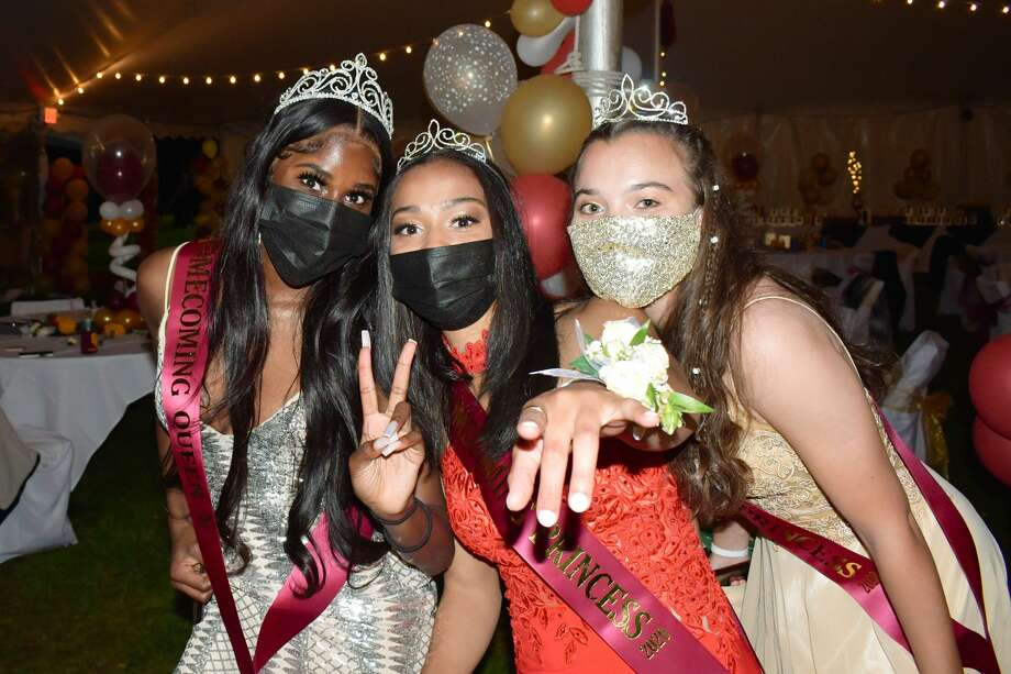 St. Joseph's High School in Trumbull held its senior prom on May 6, 2021. The event was held in a tent on the school's campus. Were you SEEN? Photo: Vic Eng / Hearst Connecticut Media Group