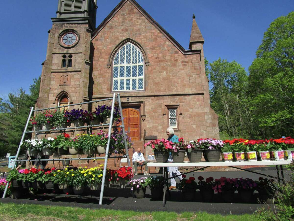 Northford Congregational Church, will hold a Mother's Day weekend flower sale, with proceeds to benefit the church.