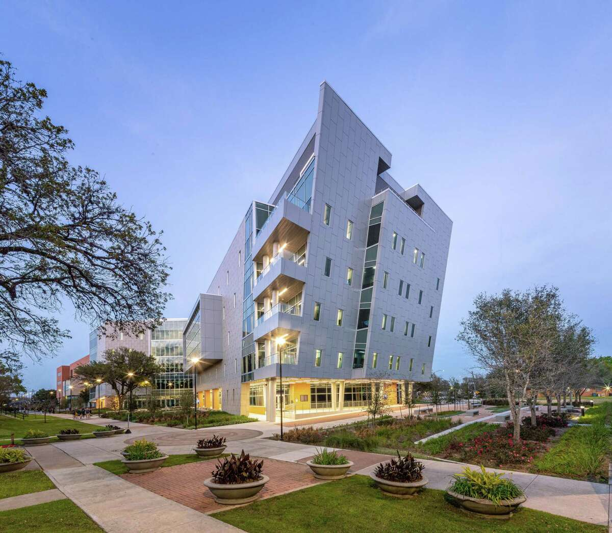 The Library Learning Center at Texas Southern University, designed by Moody Nolan.
