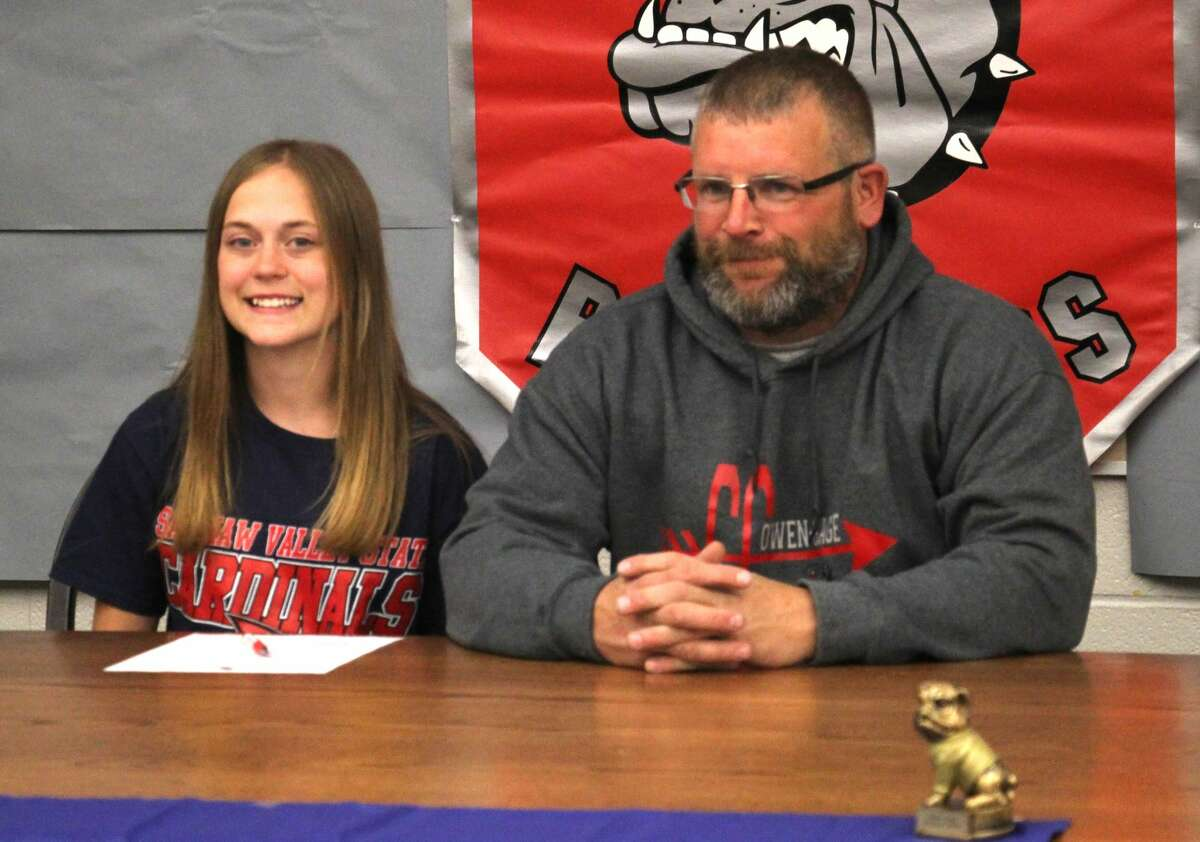 Owendale-Gagetown senior Libby Ondrajka signed a letter of intent on Friday afternoon to attend and run track and cross country at Saginaw Valley State Univeristy.