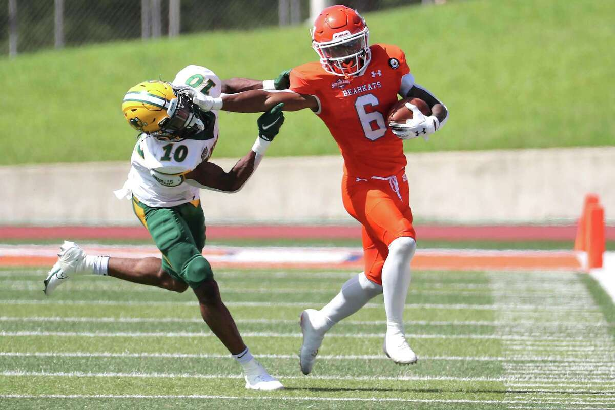 Running back Noah Smith and Sam Houston have traded an up-tempo style for a more physical approach that has the Bearkats two wins from an FCS championship.