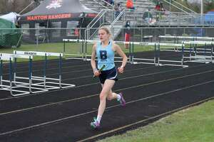 Alexis Tracy leads off the 4x800-meter relay. (Robert Myers/News Advocate)