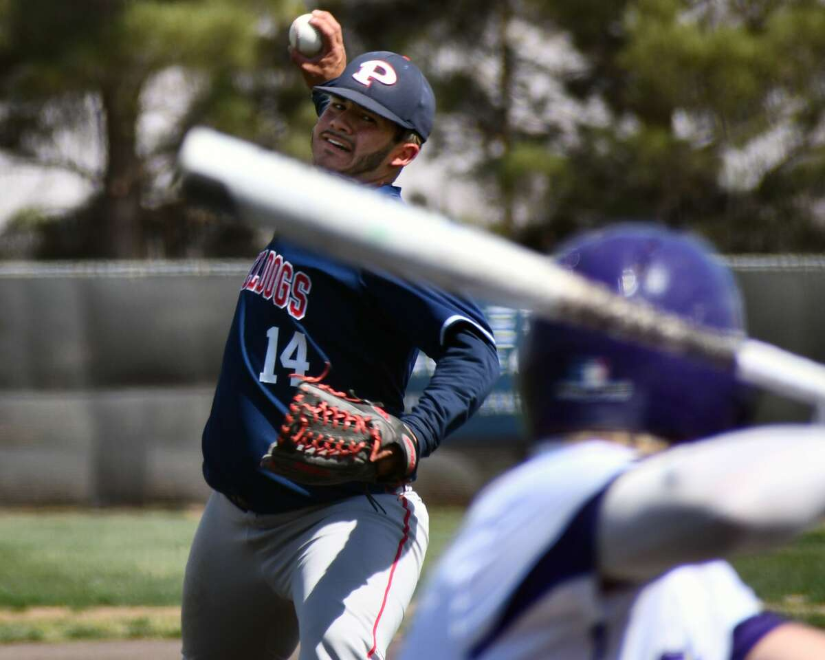 Plainview's Isaac Garza delivers a pitch to an Abilene Wylie batter.