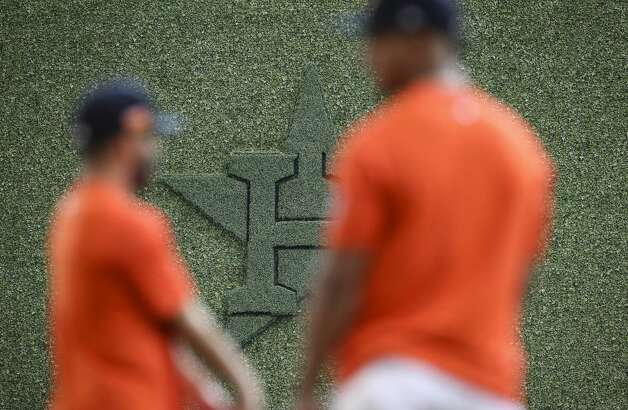 Houston Astros players warm up during Houston Astros batting practice before an MLB game against the Toronto Blue Jays on Friday, May 7, 2021, at Minute Maid Park in Houston. Photo: Jon Shapley/Staff Photographer / © 2021 Houston Chronicle