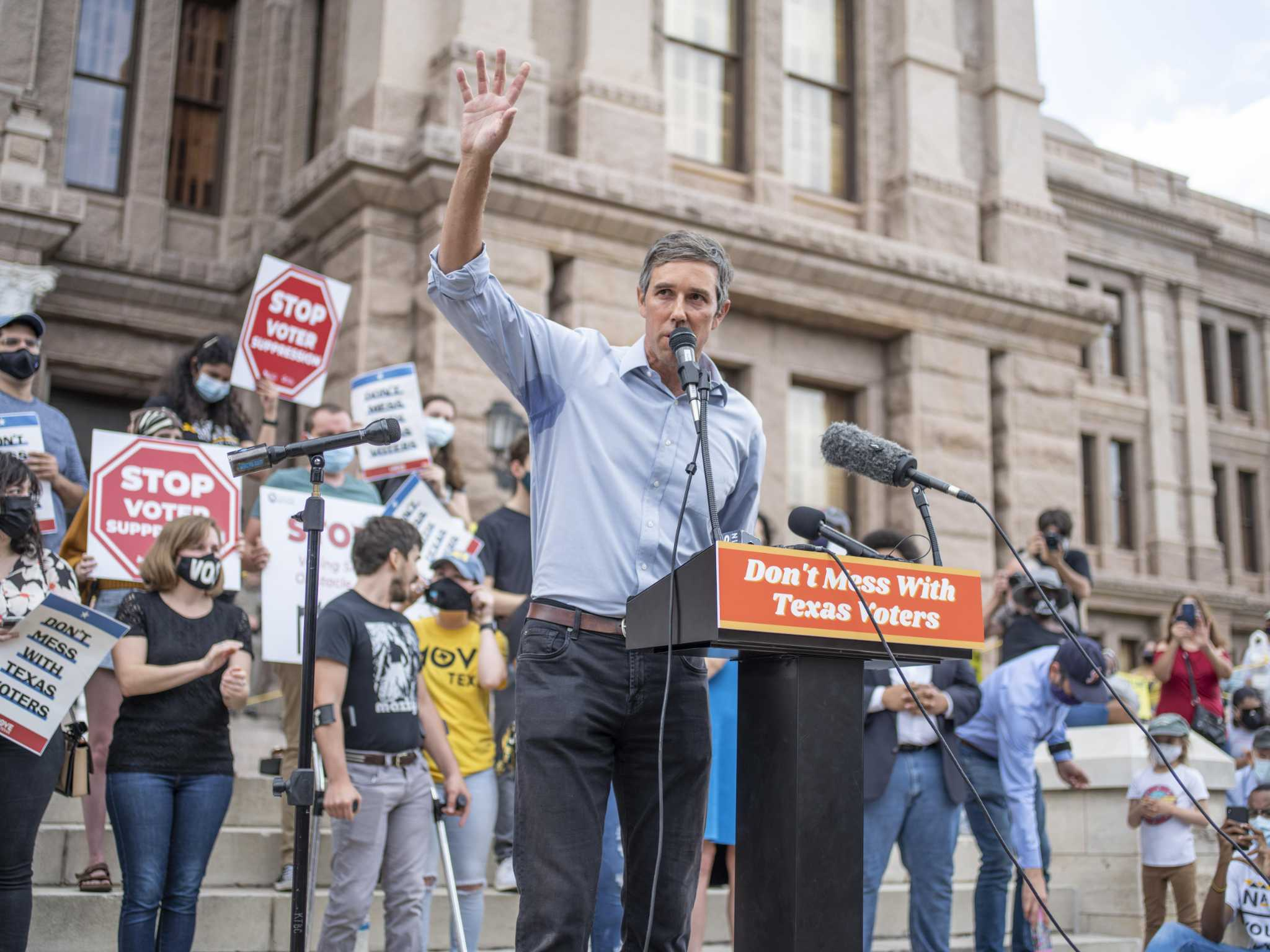 Julián Castro and Beto O'Rourke rally against bills they say suppress minority voters