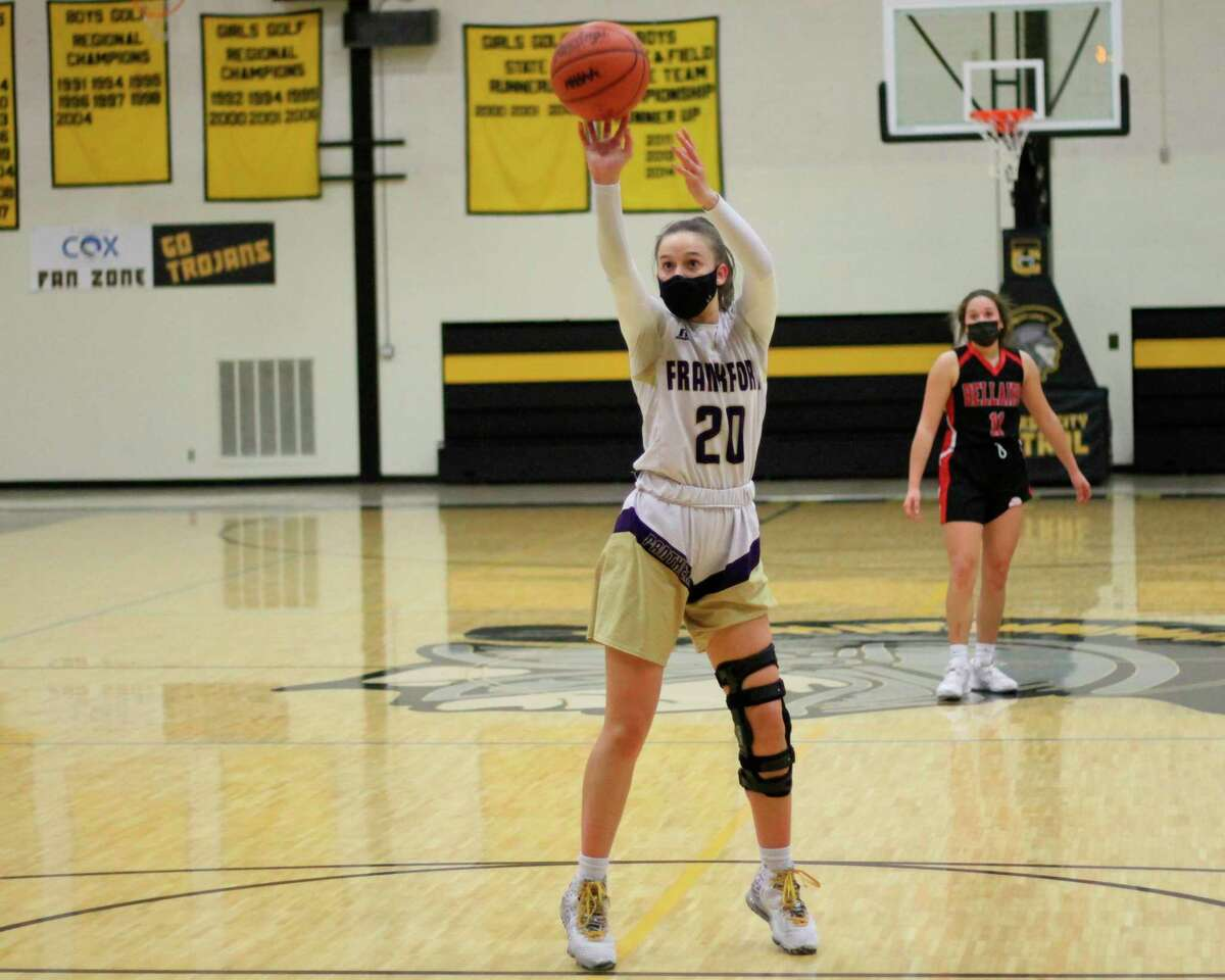 Reagan Thorr shoots a free throw during a narrow loss to eventual state runner-up Bellaire in the regional championship game. (Record Patriot file photo)