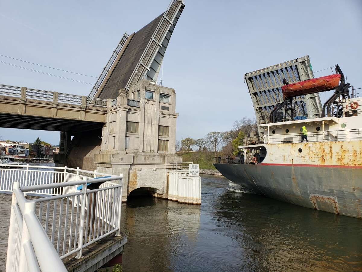 The Calumet entered the Manistee River channel on Sunday morning leaving vehicles on U.S. 31 waiting to cross Memorial Bridge in Manistee.