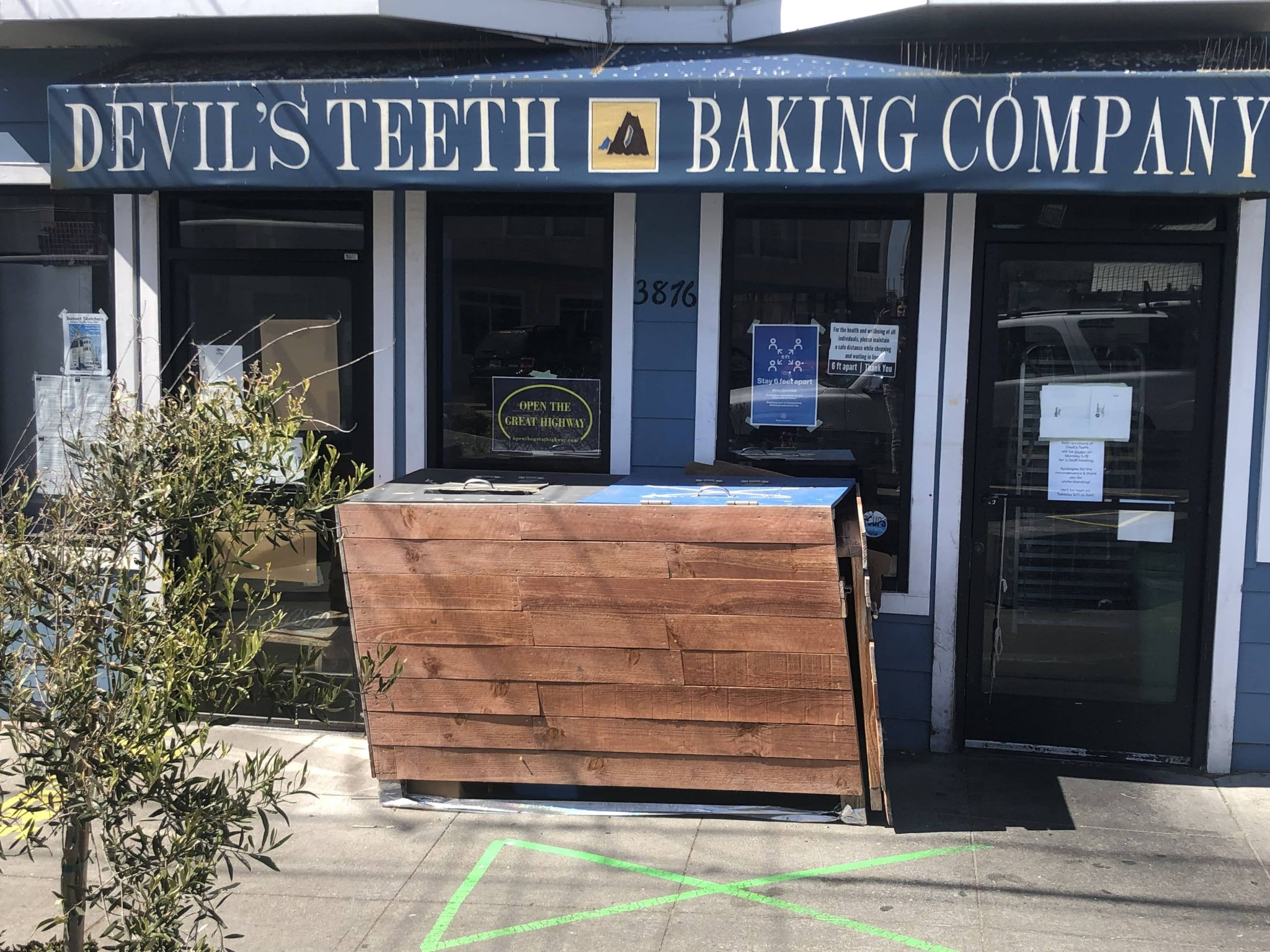 Popular SF bakery sparks outrage for stance on the Great Highway
