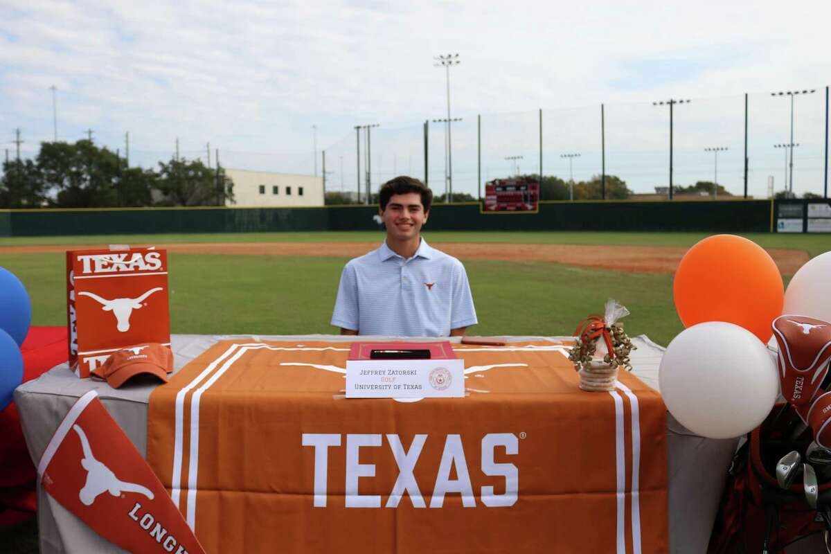 Memorial's Jeffrey Zatorski signed her National Letter of Intent to play golf at the University of Texas at Austin at the school's Early Signing Day ceremony on the morning of Nov. 11
