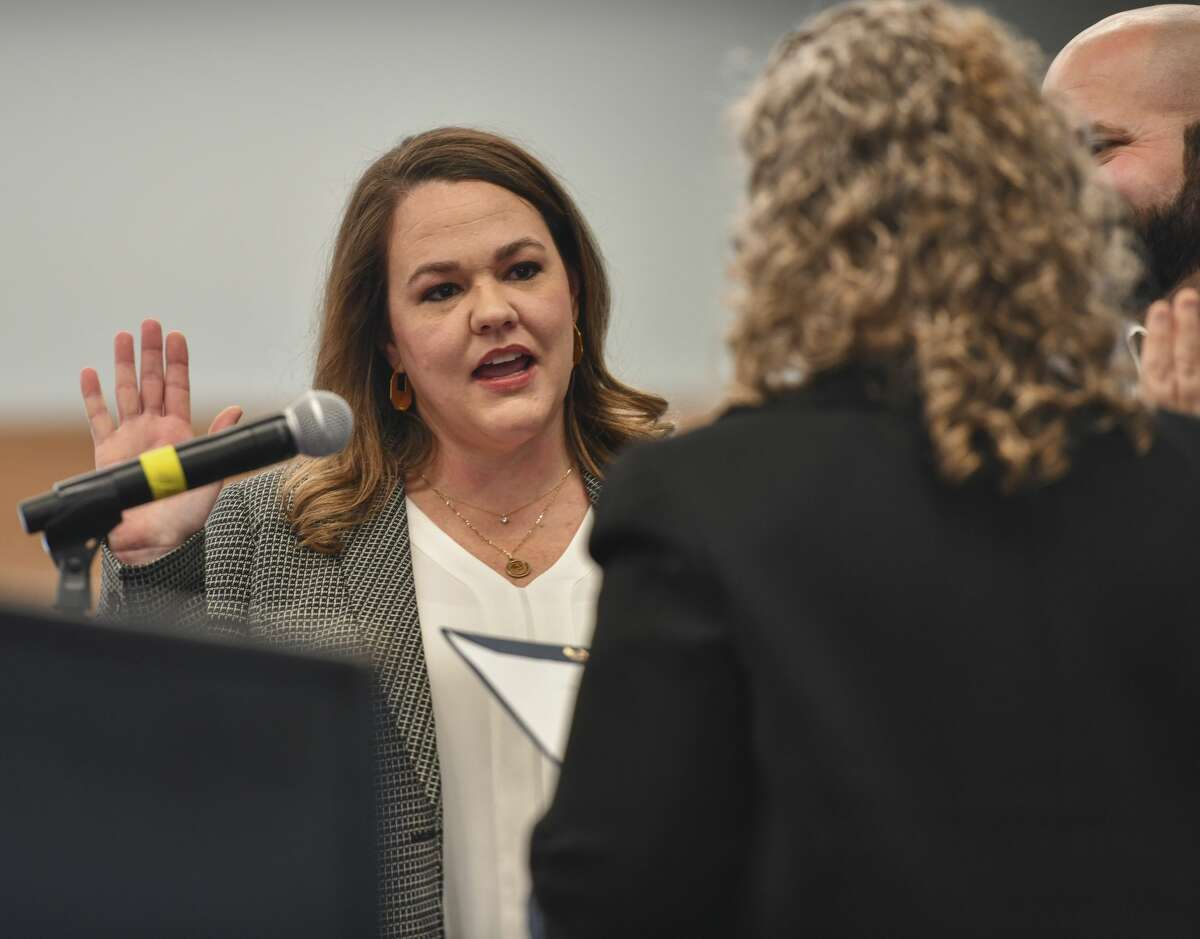 Lori Blong is sworn-in as the district four councilwoman Jan. 13, 2020 at the Bush Convention Center.