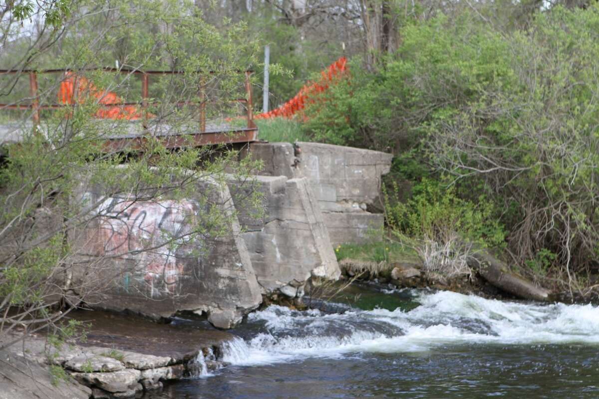 The Altona Dam Removal and River Restoration Project stems from a grant the MWRA received from the U.S. Fish & Wildlife Service to develop engineering and design specifications for the removal of a dam which crosses the Little Muskegon River, upstream from the village of Morley.