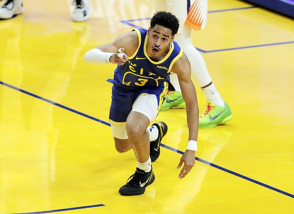 Jordan Poole reacts to a shot he made in the first half of the Warriors' game against Phoenix Tuesday at Chase Center.