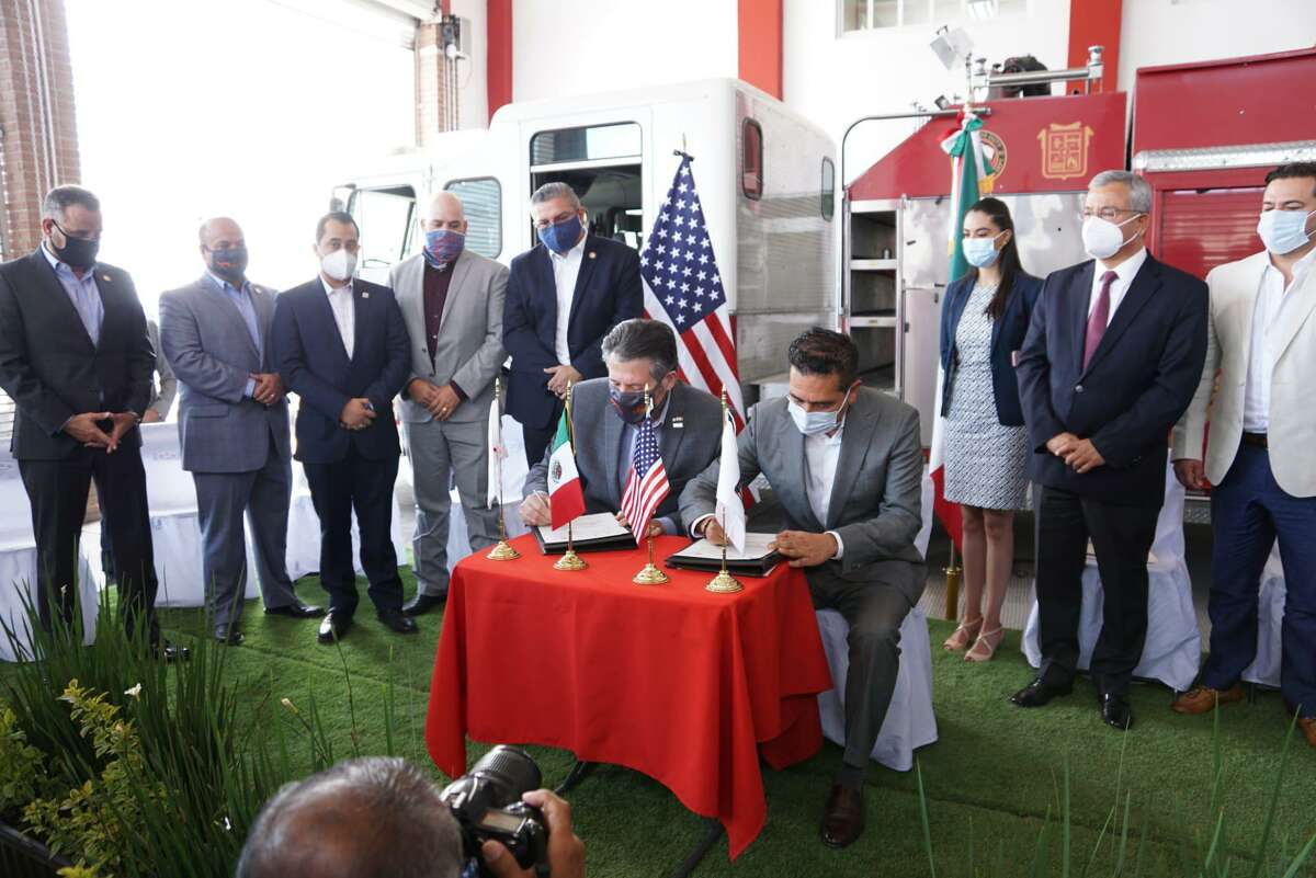 Laredo Mayor Pete Saenz signed a sister cities agreement with San Mateo Atenco last week. Laredo hopes to help mark itself as a larger tourist destination for Americans through its partnership with San Mateo Atenco and the State of Mexico.