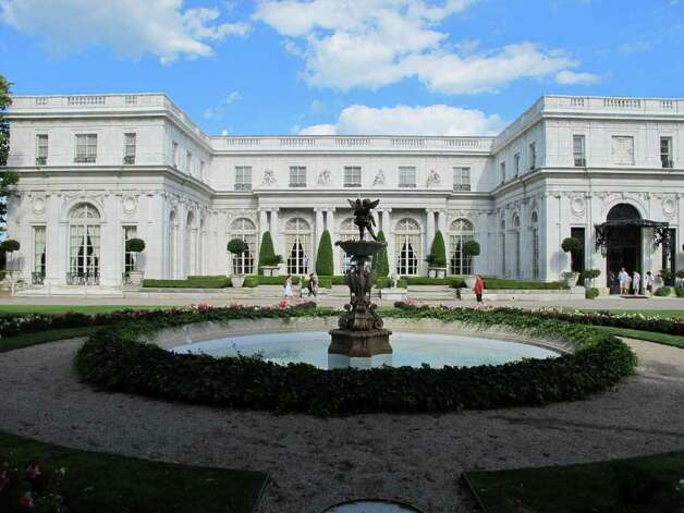Newport r i home to the rich and famous and more Great gatsby house tour