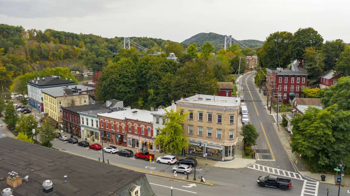 The City of Kingston is leading the way in the Hudson Valley for a tiny homes community to house those who are homeless or at risk of homelessness. The creative solution will launch with three pre-fab homes, on a site not yet chosen, that could be ready by the end of this year.