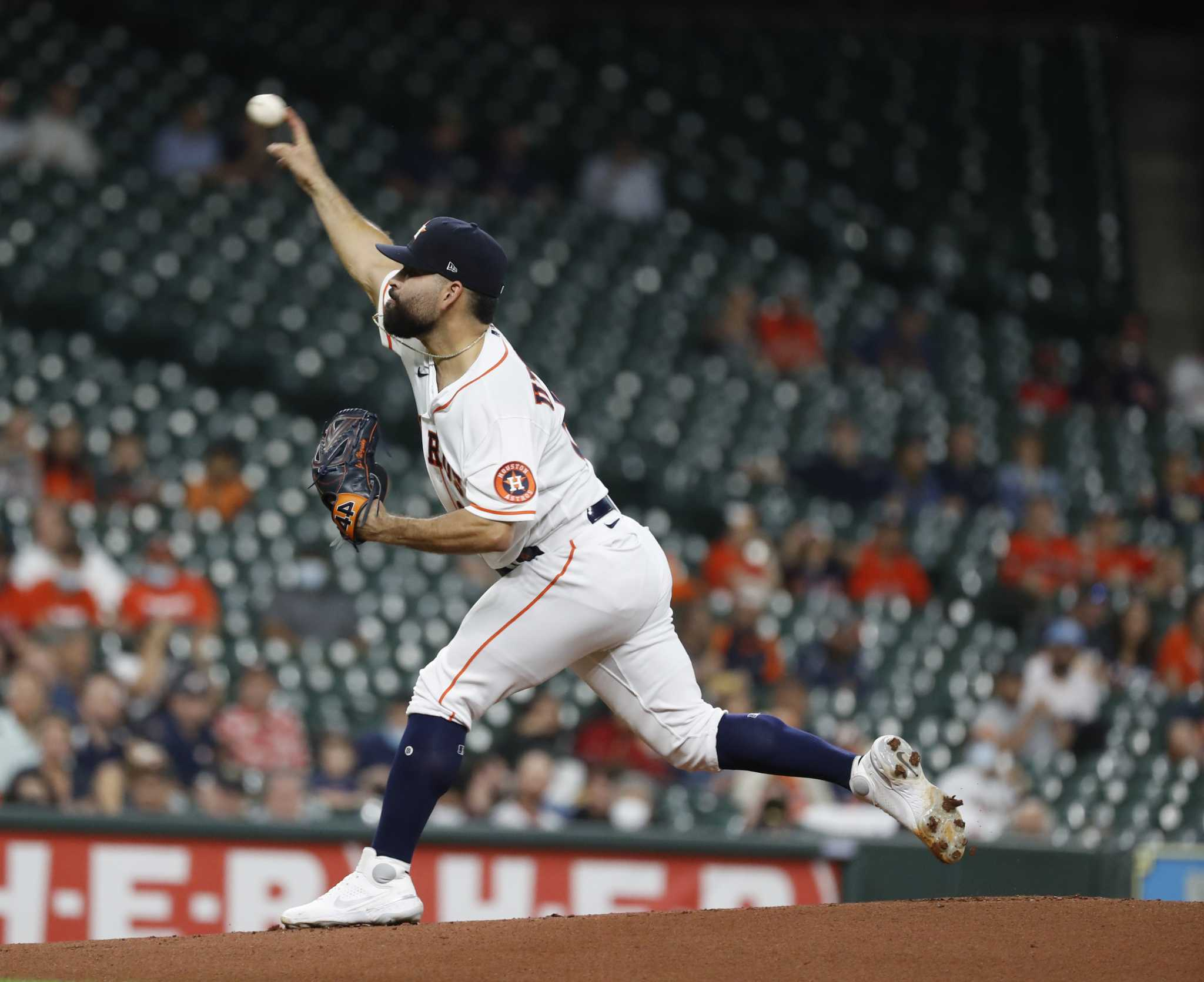 Astros' José Urquidy pulled from start after 44 pitches