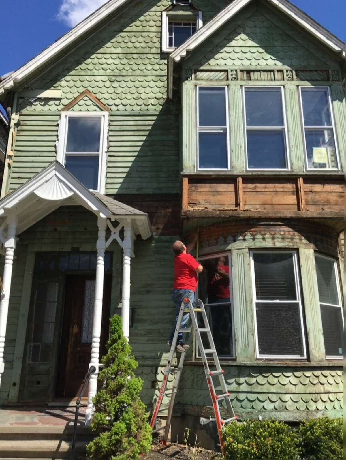 The owners of the Kranick House at 12 N. College St. removed aluminum siding and repaired the original wood siding on the circa 1891 house in 2020. The restoration project chosen for an award in 2021 by the Schenectady Heritage Foundation.