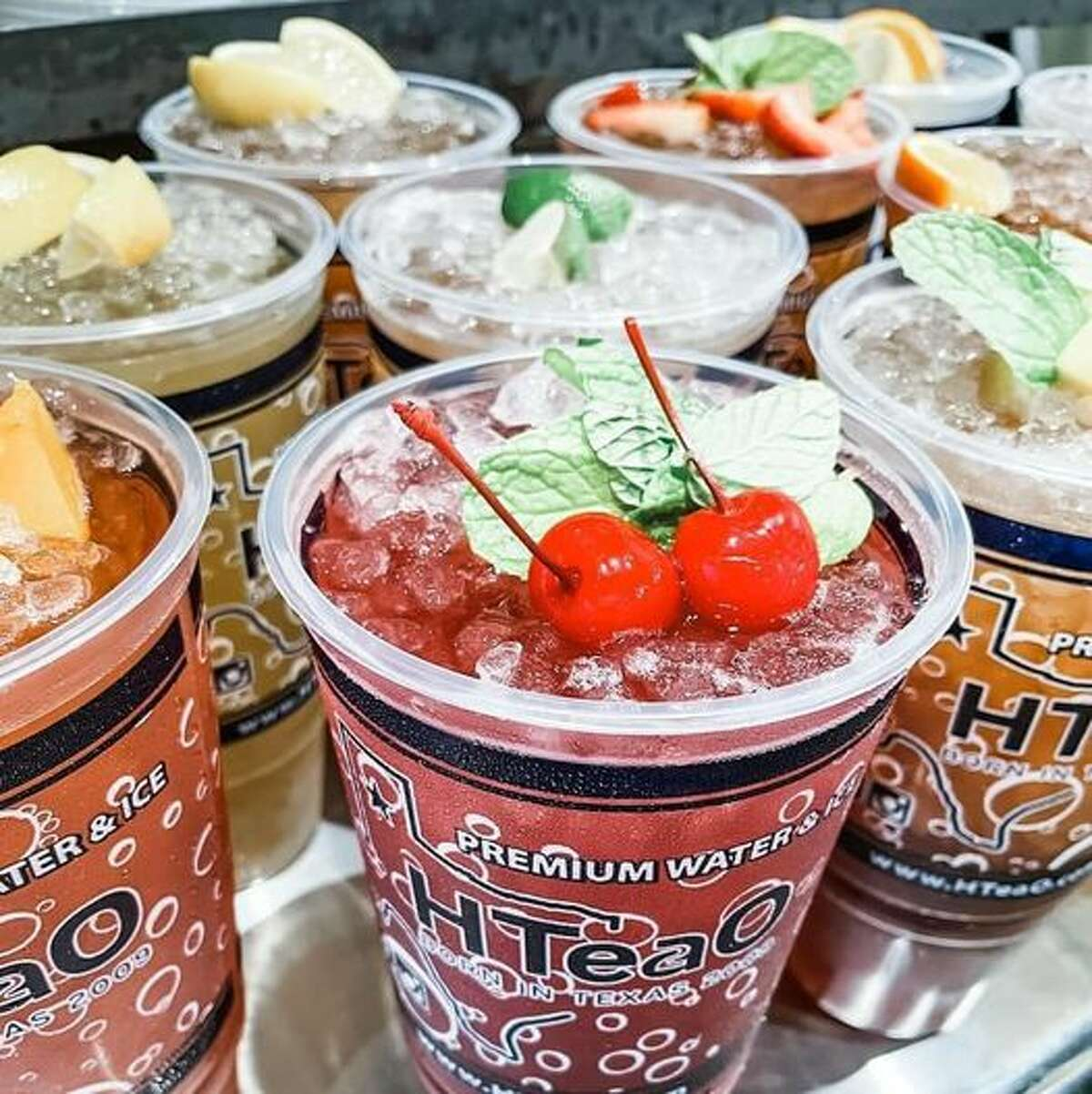 HTeaO is billed as an iced tea wonderland with 26 flavors.
