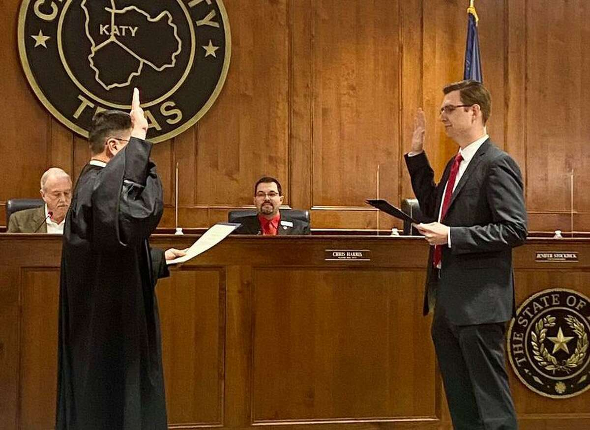 Dan Smith is sworn into the position of Katy city council Ward A on May 12, 2021.