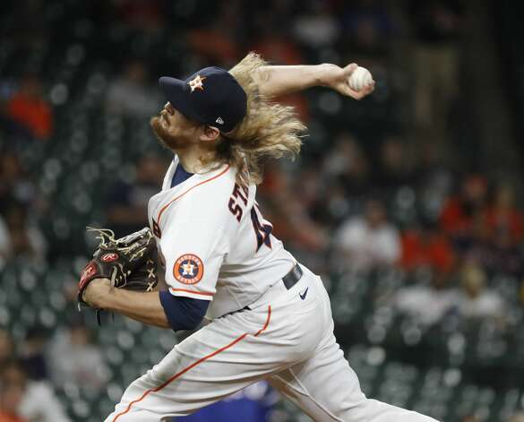 Houston Astros relief pitcher Ryne Stanek (45) pitches during the eighth inning of an MLB baseball game at Minute Maid Park, Thursday, May 13, 2021, in Houston. Photo: Karen Warren/Staff Photographer / @2021 Houston Chronicle
