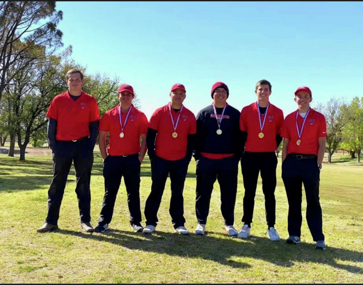 The Garden City boys golf team pose after winning the Region I-1A Tournament title at Lubbock's Lake Ridge Country Club on April 20.