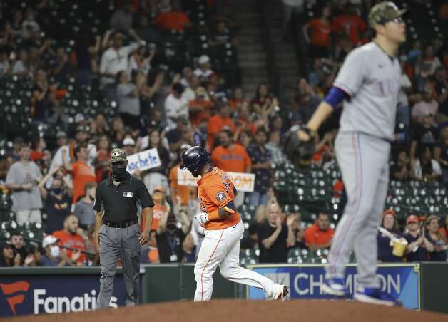 Houston Astros catcher Martin Maldonado (15) rounds third after hitting a two-run home run during the fifth inning of an MLB game Friday, May 14, 2021, at Minute Maid Park in Houston. Photo: Jon Shapley/Staff Photographer / © 2021 Houston Chronicle