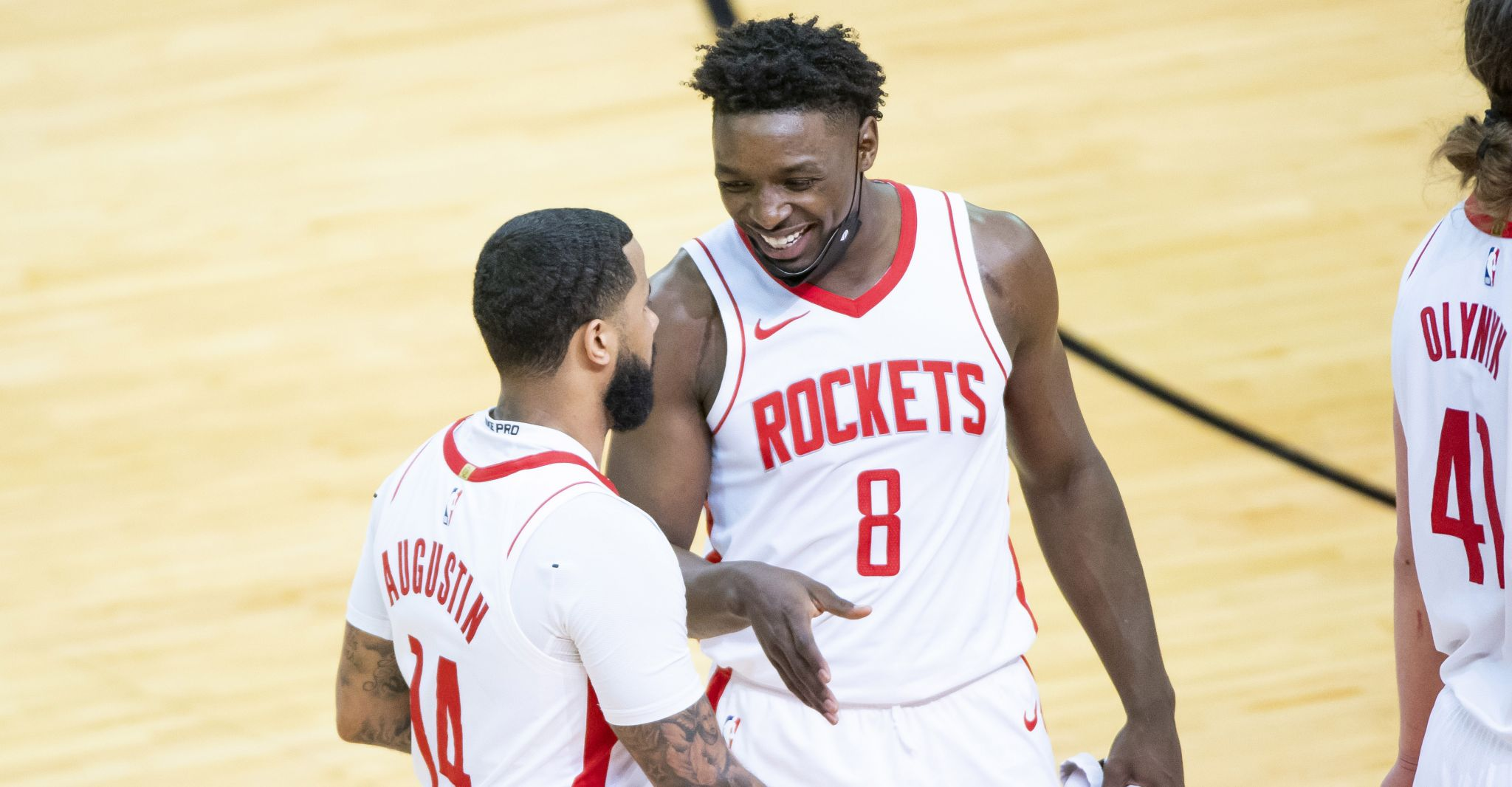 Rockets hold off Clippers to win final home game of season