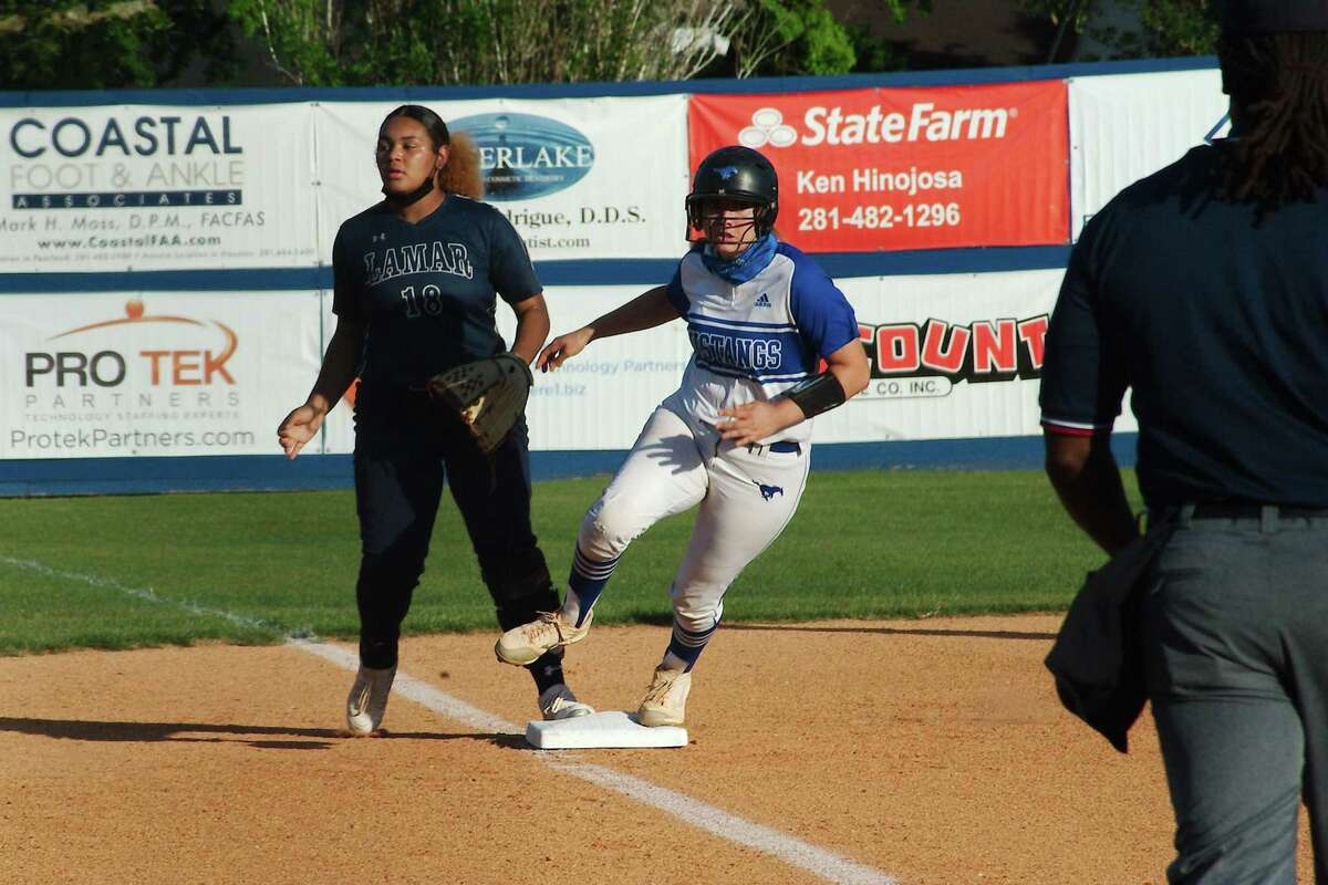Friendswood couldn't get runners to home plate Friday night in an 8-0 loss to Barbers Hill in a Class 5A softball playoff matchup.