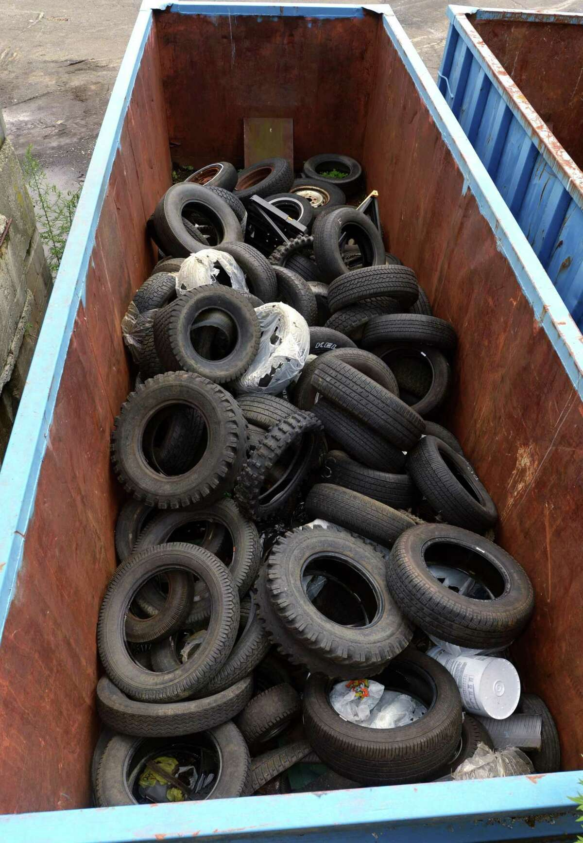 Officials representing 17 towns along the Lower Connecticut River Valley are calling on state lawmakers to adopt legislation that would shift much of the burden onto manufacturers to keep discarded tires, gas tanks and smoke detectors from ending up in landfills or along the river.