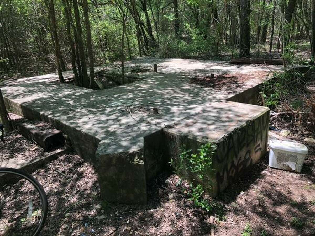 A reader wants to know whether an irregular stone structure near the intersection of Devine and Park roads could have been part of Camp John Wise, the Army's observation balloon school during World War I in what would become Olmos Park.
