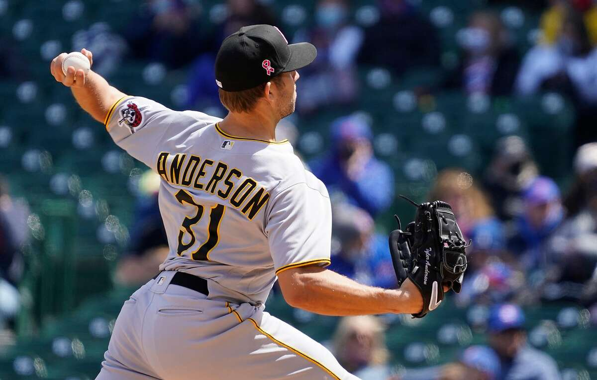 CHICAGO, ILLINOIS - MAY 09: Tyler Anderson #31 of the Pittsburgh Pirates pitches against the Chicago Cubs during the first inning at Wrigley Field on May 09, 2021 in Chicago, Illinois. (Photo by David Banks/Getty Images)