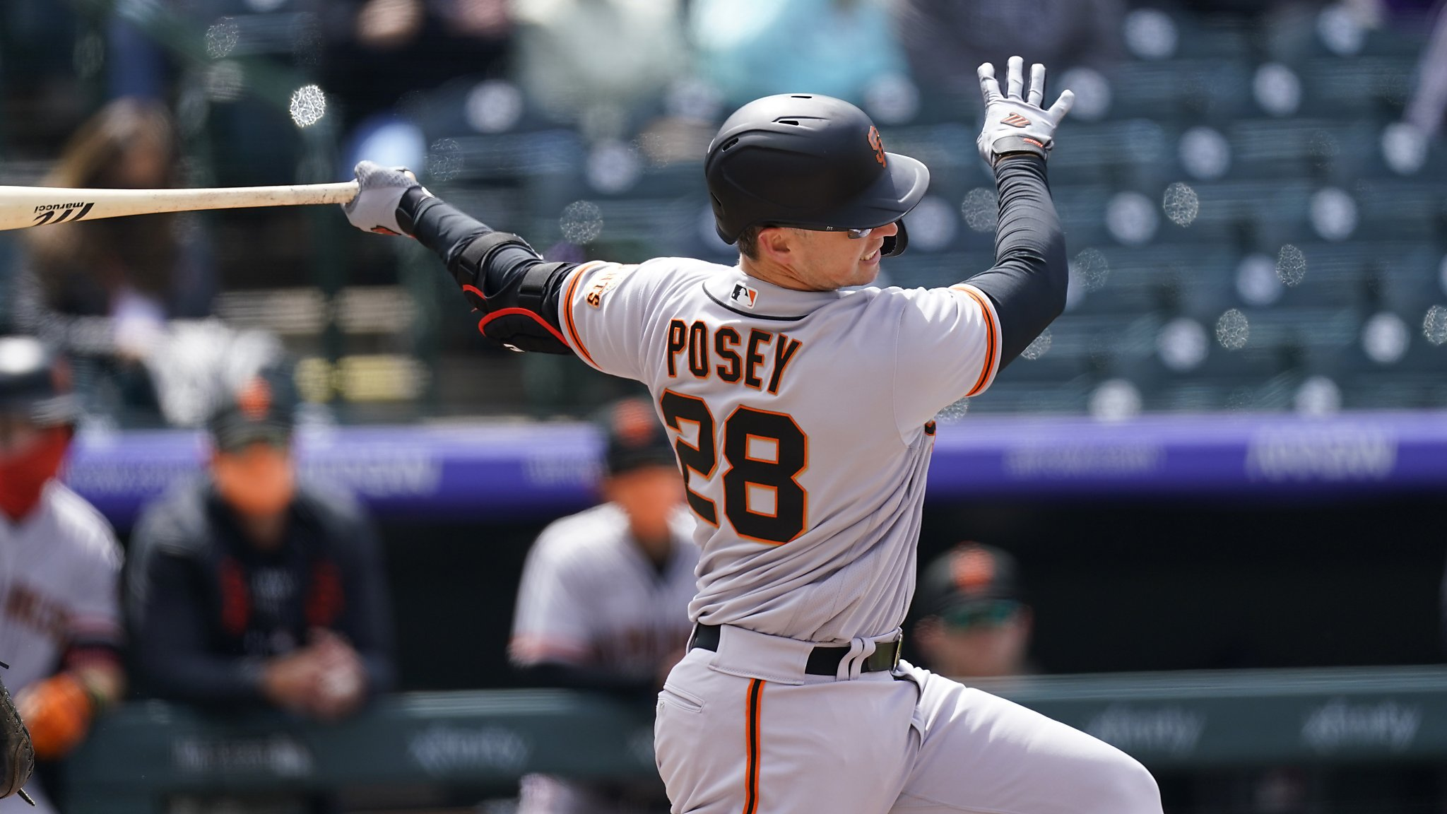 Giants' Buster Posey hitting .382 but doesn't qualify for batting race, by design