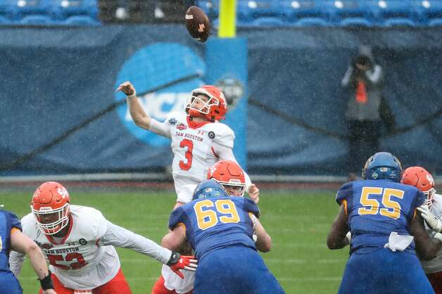 Sam Houston State quarterback Eric Schmid (3) can't come down with a high snap that South Dakota State recovered for a turnover during the firstmquarter of the NCAA FCS national football championship game on Sunday, May 16, 2021, in Frisco. Photo: Brett Coomer/Staff Photographer / © 2021 Houston Chronicle